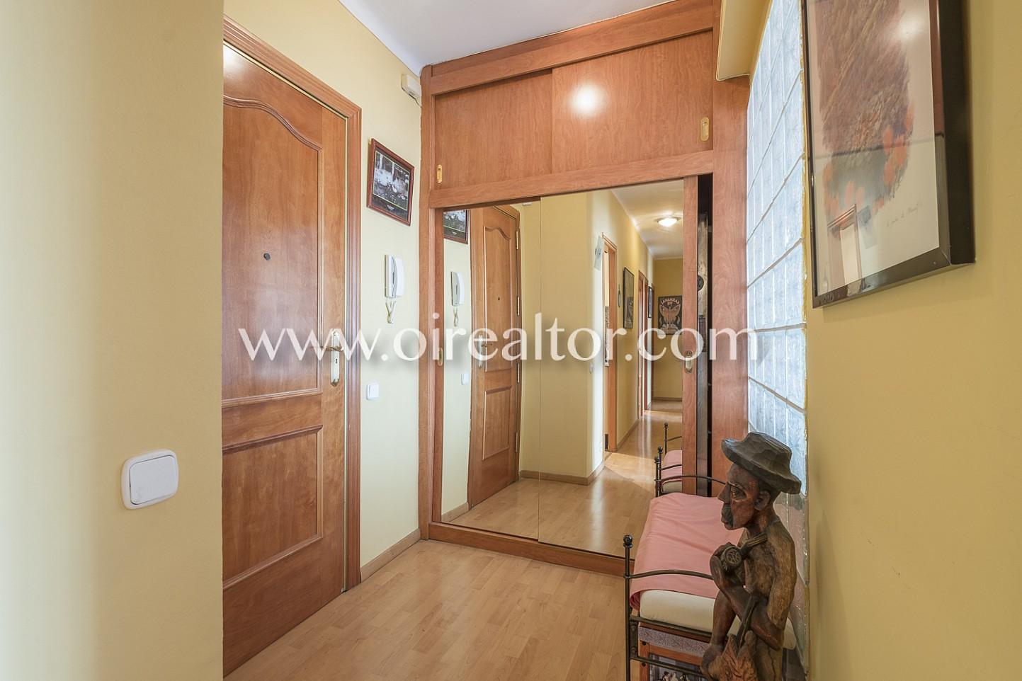Recibidor, pasillo, puerta, entrada, piso,
