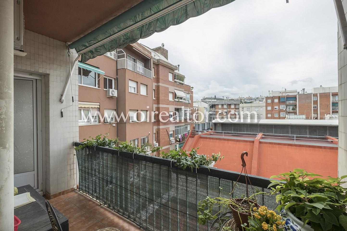 Vistas, vistas a la ciudad, patio de manzana, vistas despejadas, balcón