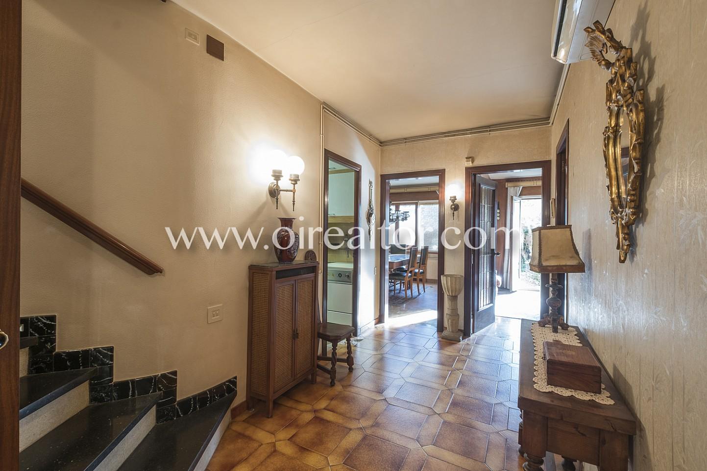 pasillo, pasillo señorial, pasillo clásico, antiguo, habitaciones