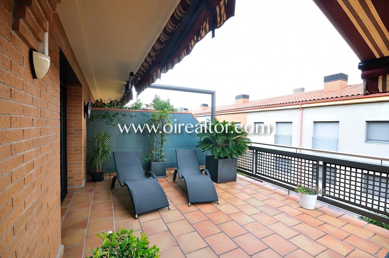 Terraza, terraza con mesa, aire libre, comidas y cenas, comidas, plantas, piso dúplex, solárium
