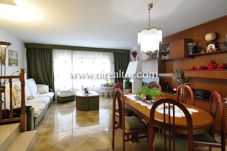 salón comedor, salón comedor luminoso, luminoso, salón, comedor, comedor amplio, mesa y sillas, salón con terraza
