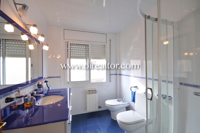 baño, baño con ducha, baño luminoso, luminoso, lavabo