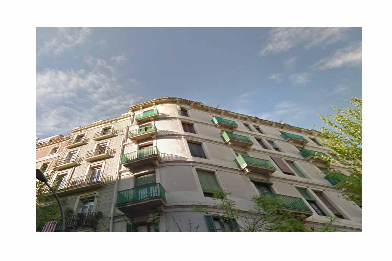 Edificio esquinero en Barcelona, luminoso, vistas despejadas, edificio, Barcelona