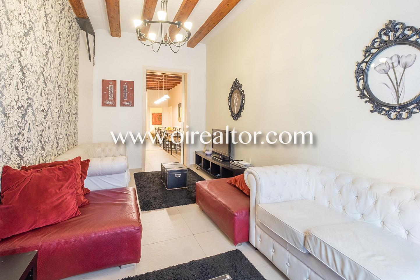 salón, salón de diseño, elegante, piso elegante, piso de diseño, salón con balcón