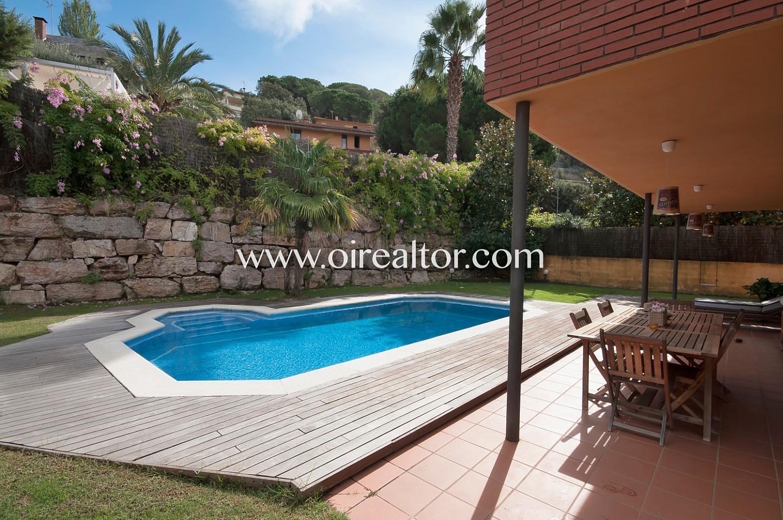 jardín, piscina, sol, solárium, césped, barbacoa, fachada