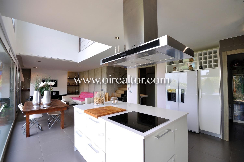 cocina americana, cocina, electrodomésticos, isla, vitrocerámica, campana extractora