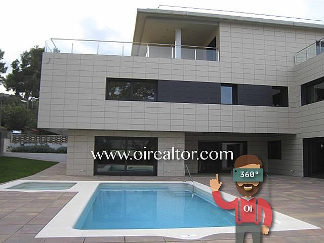 Exclusiva propiedad de alto standig en Urbanización Montemar, Castelldefels