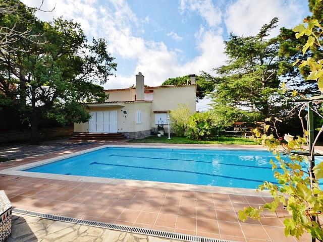 Amplia casa unifamiliar en venta en Premia de Dalt, zona El Remei