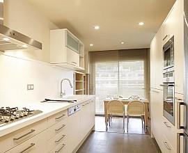 Apartamento muy amplio y luminoso en alquiler en La Bonanova, Barcelona