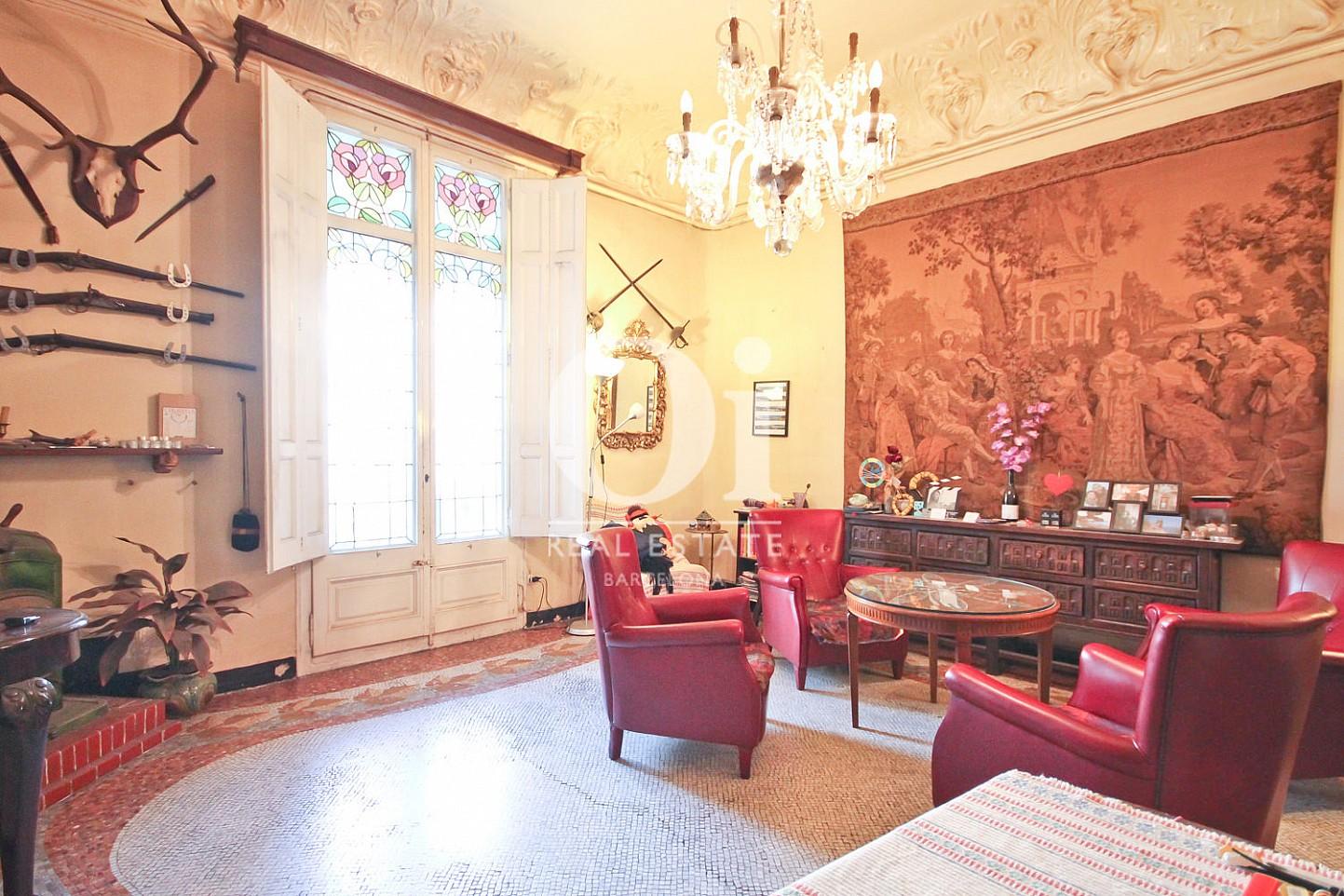 Impressionant salon-appartement-luxueux. Moderniste-Eixample