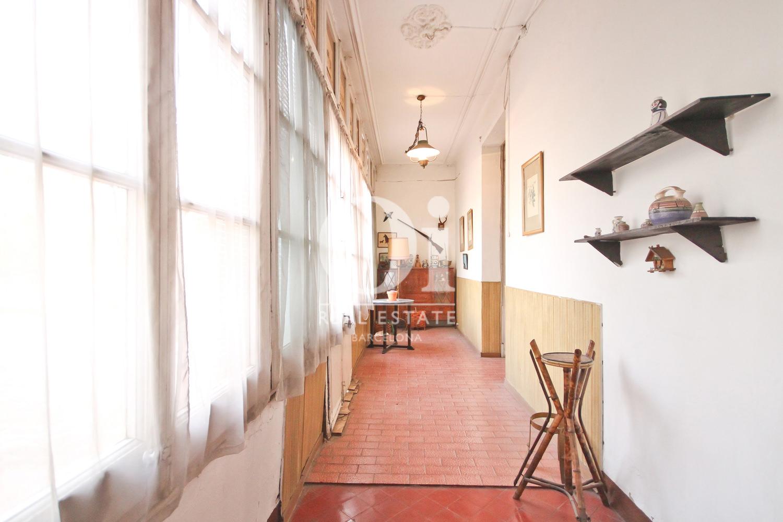 Luminosa galería enapartamento  modernista en Barcelona