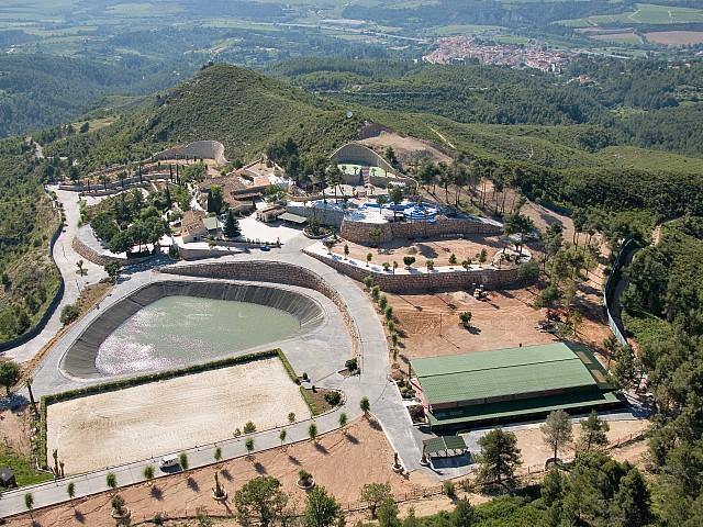 Espectacular masia en venda a un terreny de 80 hectàrees amb camp de golf a Gelida