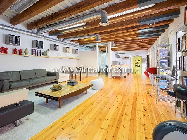 Atractivo loft de diseño en venta en el Borne, Barcelona