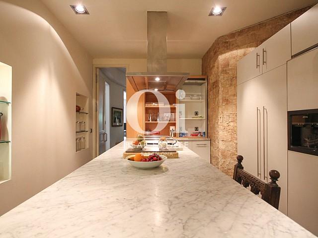 Cocina en apartamento de lujo en venta en Barcelona Eixample