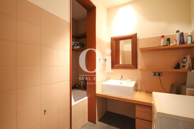 Современная ванная в эксклюзивной квартире на продажу в Барселоне