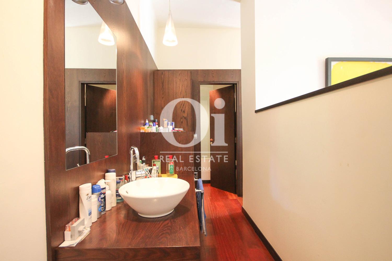 Badezimmer in luxuriöser Wohnung zum Verkauf in Calle Muntaner