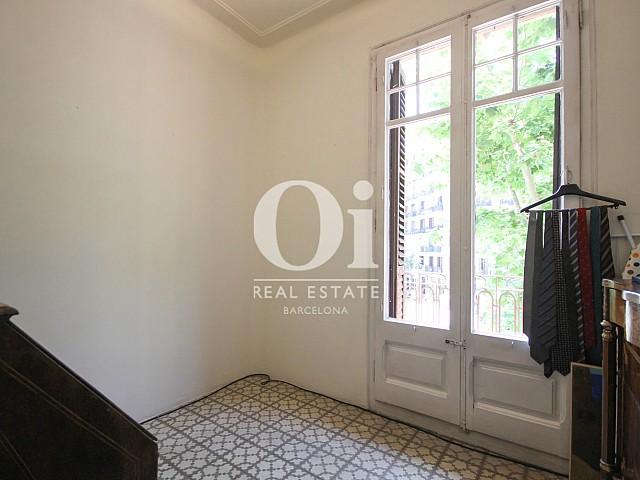 Habitación luminosa en apartaemnto en venta en Eixample, Barcelona