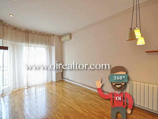 Espacioso piso en venta en segunda línea de mar en Badalona