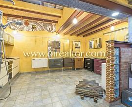 Local en venta con terraza y potencial para adaptar como vivienda tipo loft,  Poble Nou