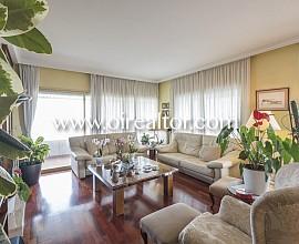 Elegante piso en venta con 3 plazas de parking en Pedralbes
