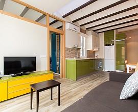 Apartamento amueblado por media estancia, en Gracia