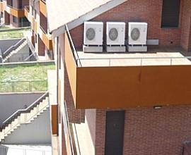 Casa adossada en venda de nova promoció a Mataró