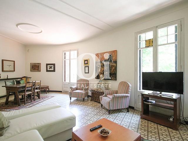 Luminosos salon en apartamento de lujo modernista en venta en Eixample, Barcelona-salon comedor