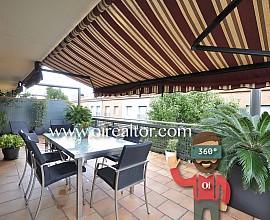 Elegante piso dúplex en venta en Urbanización Canyet en Badalona