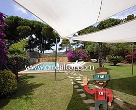 Excellent detached villa for sale in the Urb. Del Golf in Sant Vicenç de Montalt