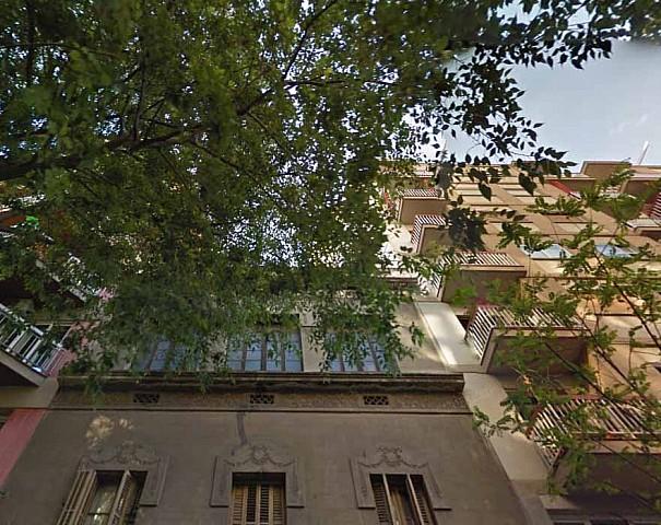 Immeuble en vente à rénover avec permis d'extension dans l'Eixample Izquierdo, Barcelone