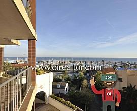 Продается квартира с видами на море и порт Балис в Сант Андреу де Льяванерес