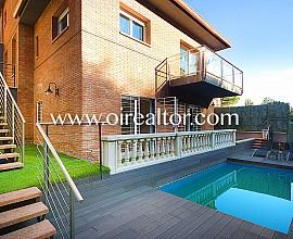 Fantástica casa  de diseño a cuatro vientos en venta en Alella, Maresme