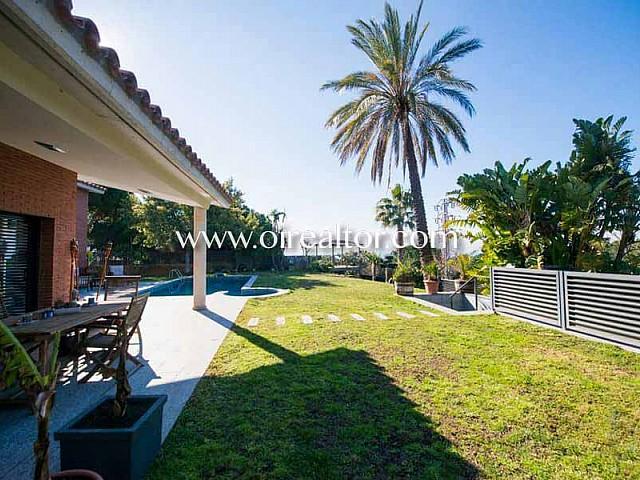 Gran casa unifamiliar en venta en Premia de Dalt, Maresme