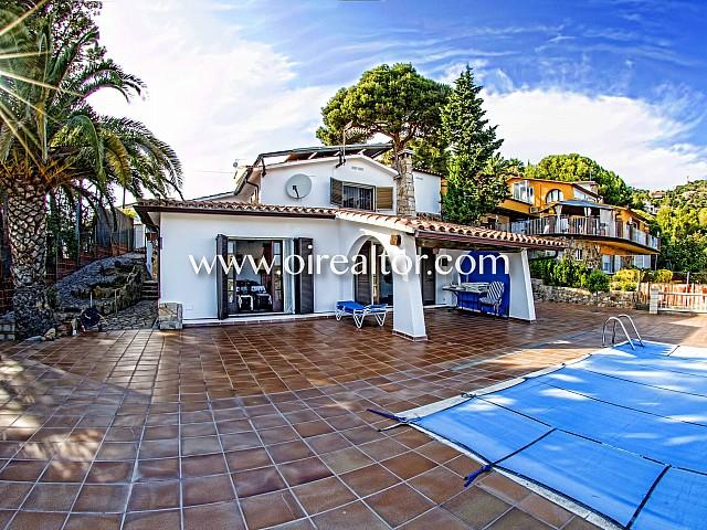 Haus mit mediterranem Stil und Blick aufs Meer in Tossa de Mar, Costa Brava