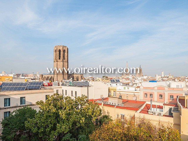 Nice apartment for sale in front of the Liceu in Les Rambles, Barcelona