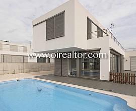 Casa d'obra nova en venda a Arenys de Mar
