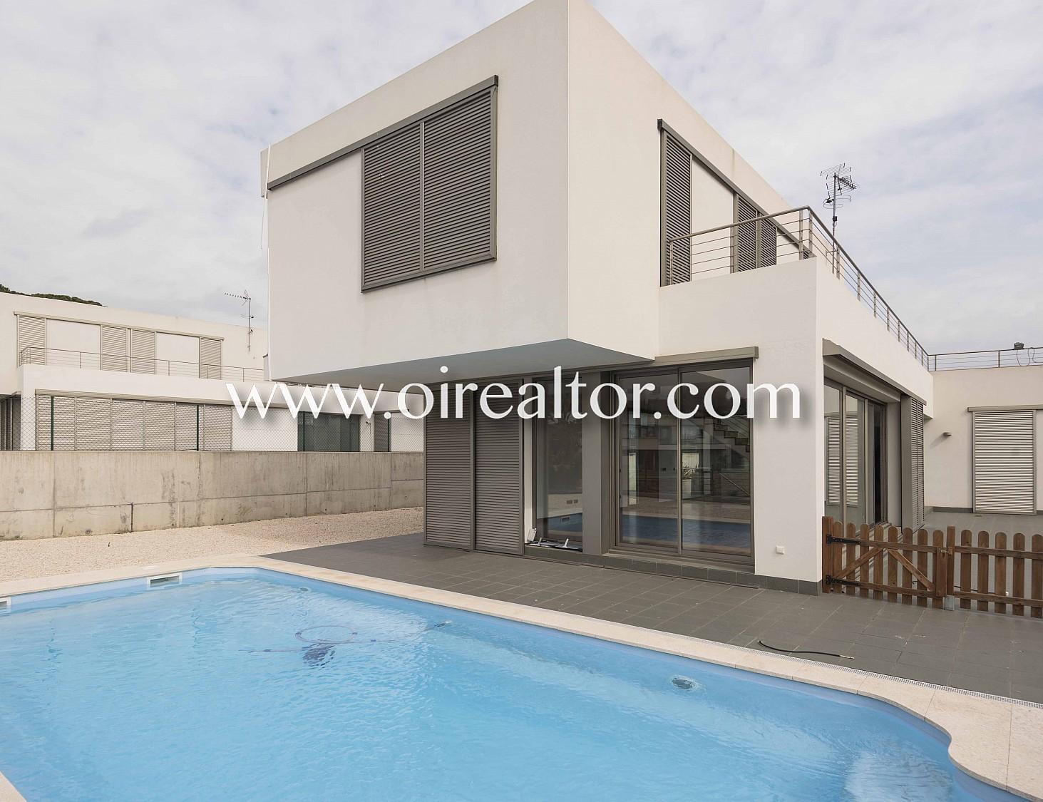 Продается дом новой постройки в Ареньс де Мар