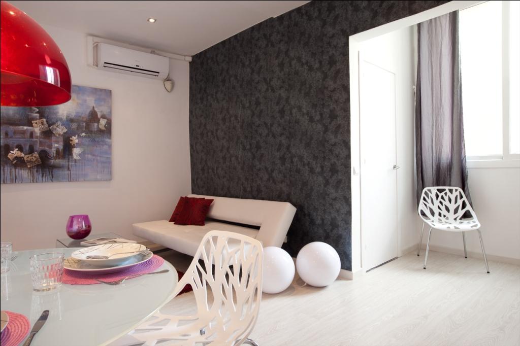 Шикарная гостиная в отличной квартире в аренду в Барселона