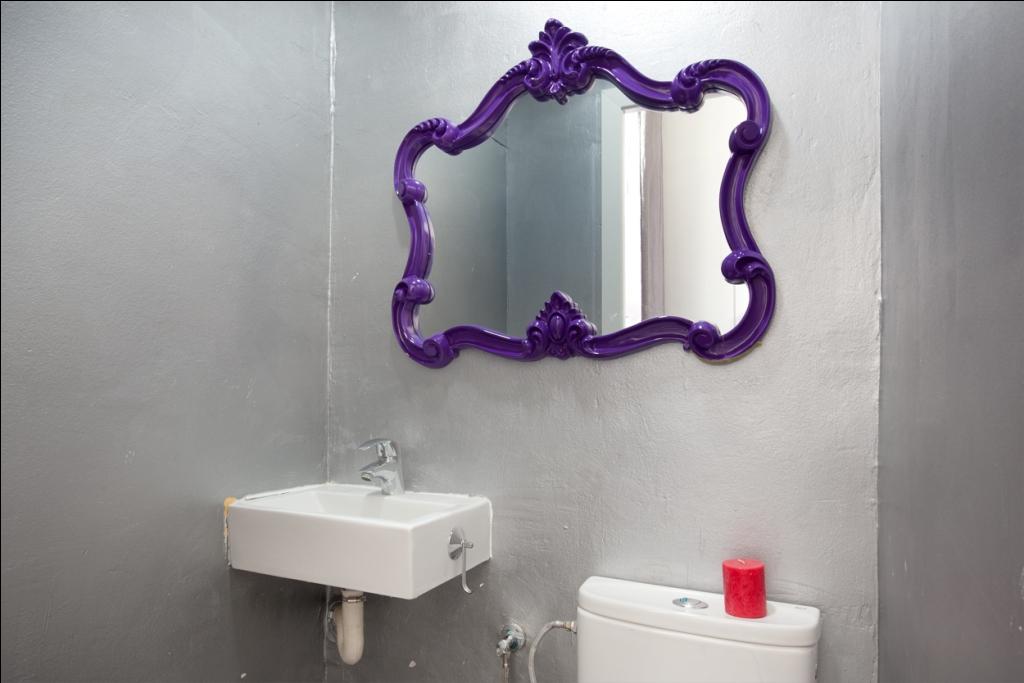 Toilette dans un appartement en location à Barcelone