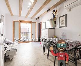 Appartement à vendre avec de belles poutres en bois au plafond, El Borne, Barcelone