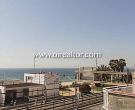 Продается дом напротив моря в Вилассар де Мар, Барселона