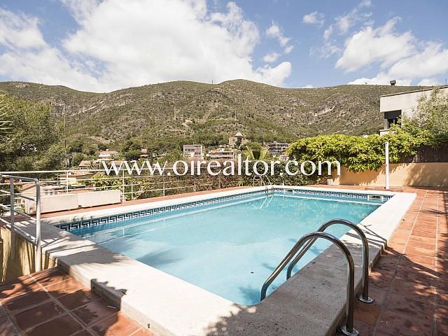 Fabulosa y privilegiada casa en venta en urbanización El Poal en Castelldefels