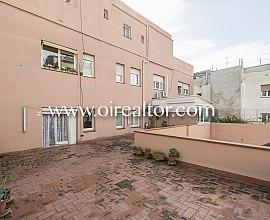 Piso de origen en venta con inmensa terraza de 70 m2 en Galvany