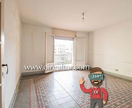 Продается квартира без ремонта на Пасео де Грасия