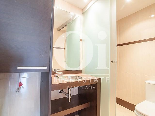 Salle de bain dans un appartement en location pour des étudiants