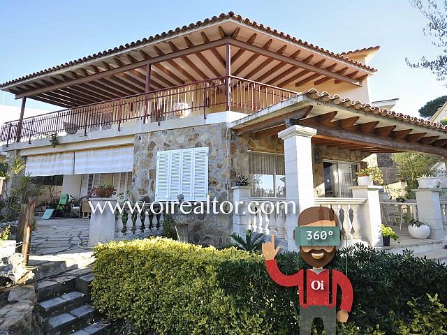 Espaciosa casa a cuatro vientos en venta en una urbanización de Arenys de Mar, Maresme
