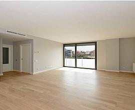 Продается новая квартира в Лес Кортс, Барселона