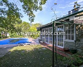 Large detached house for sale in Premià de Dalt, El Remei area
