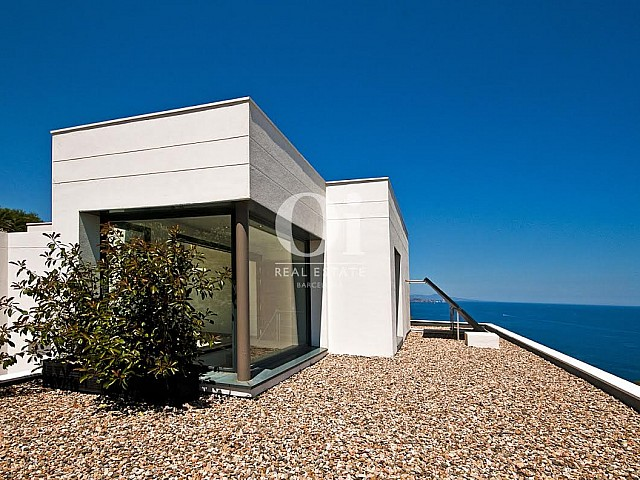 Image of the solarium in luxury house for sale on the Costa Brava