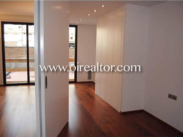 Designer apartment for sale in a modern estate in Eixample Dreta